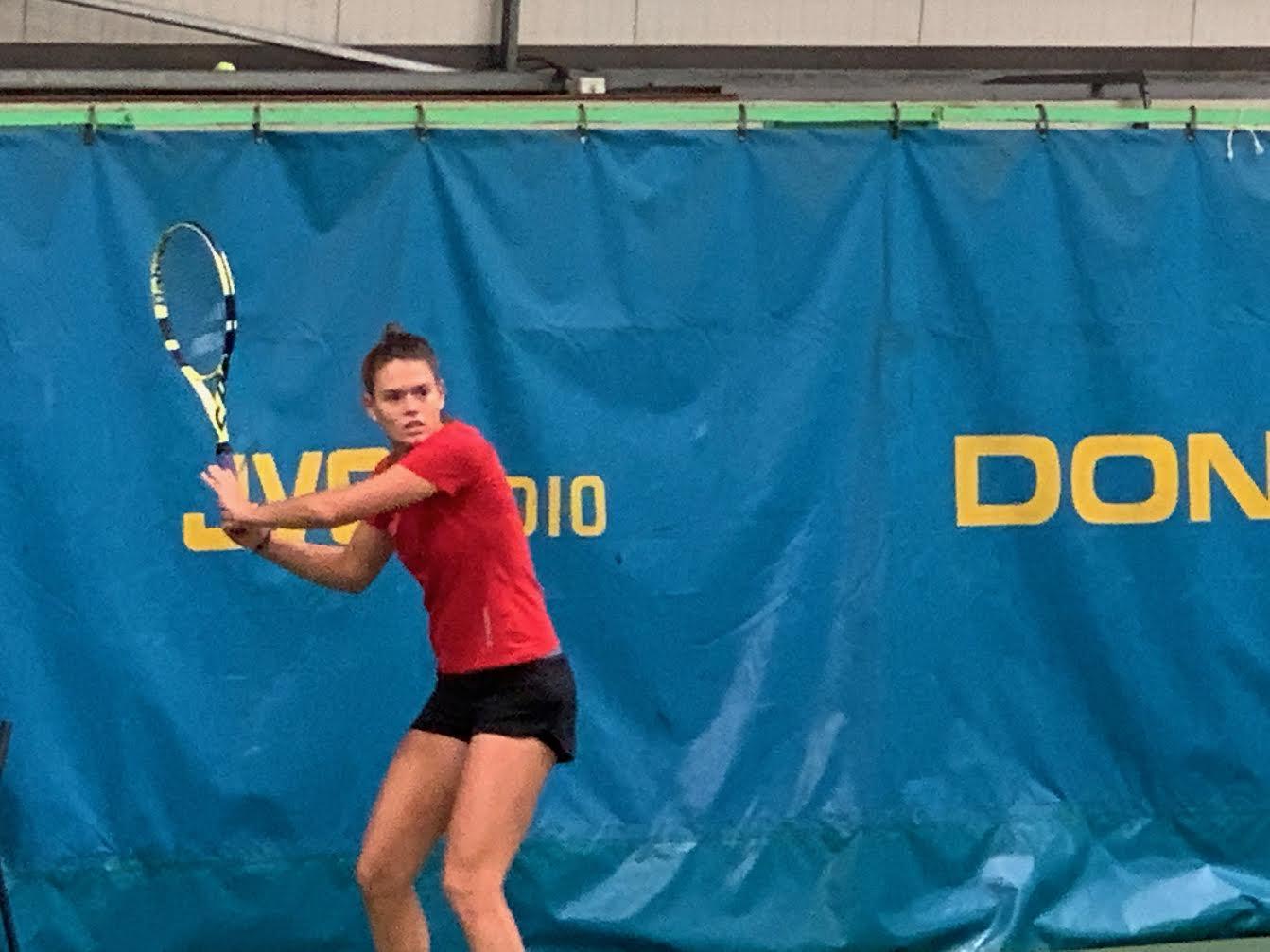 Play Tennis est heureux d'officialiser l'arrivée de Chloé Paquet 146eme joueuse mondiale, 6e française)